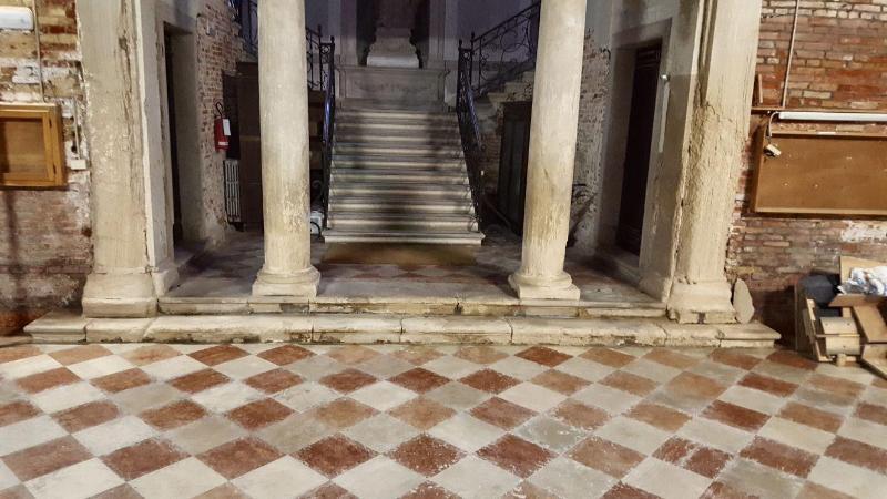 Venezia 850mila euro l 39 adeguamento sismico e restauro for Scuola sansovino venezia