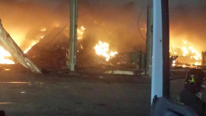 Roma, incendio in discarica Cecchina: in fiamme quintali di rifiuti