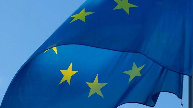 Coronavirus: ecco le regole UE per i viaggi e i rientri dall'estero
